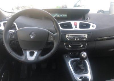 Renault Scenic (7)